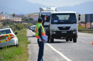 9 die on Western cape roads